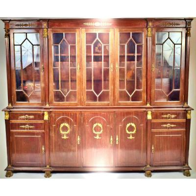 <em><strong>Wardrobe<br />