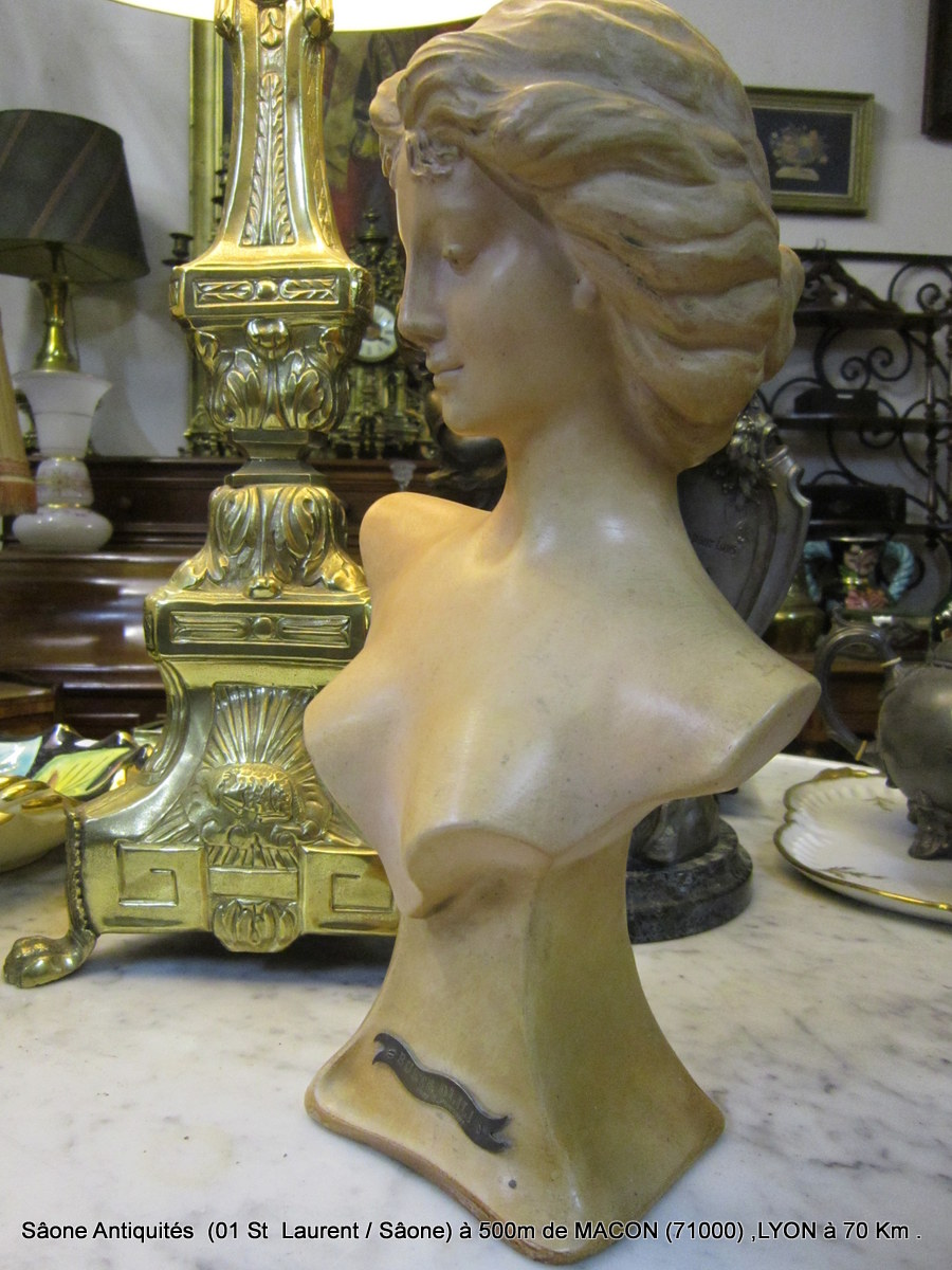 "Buste Terre Cuite Femme ""1900"""
