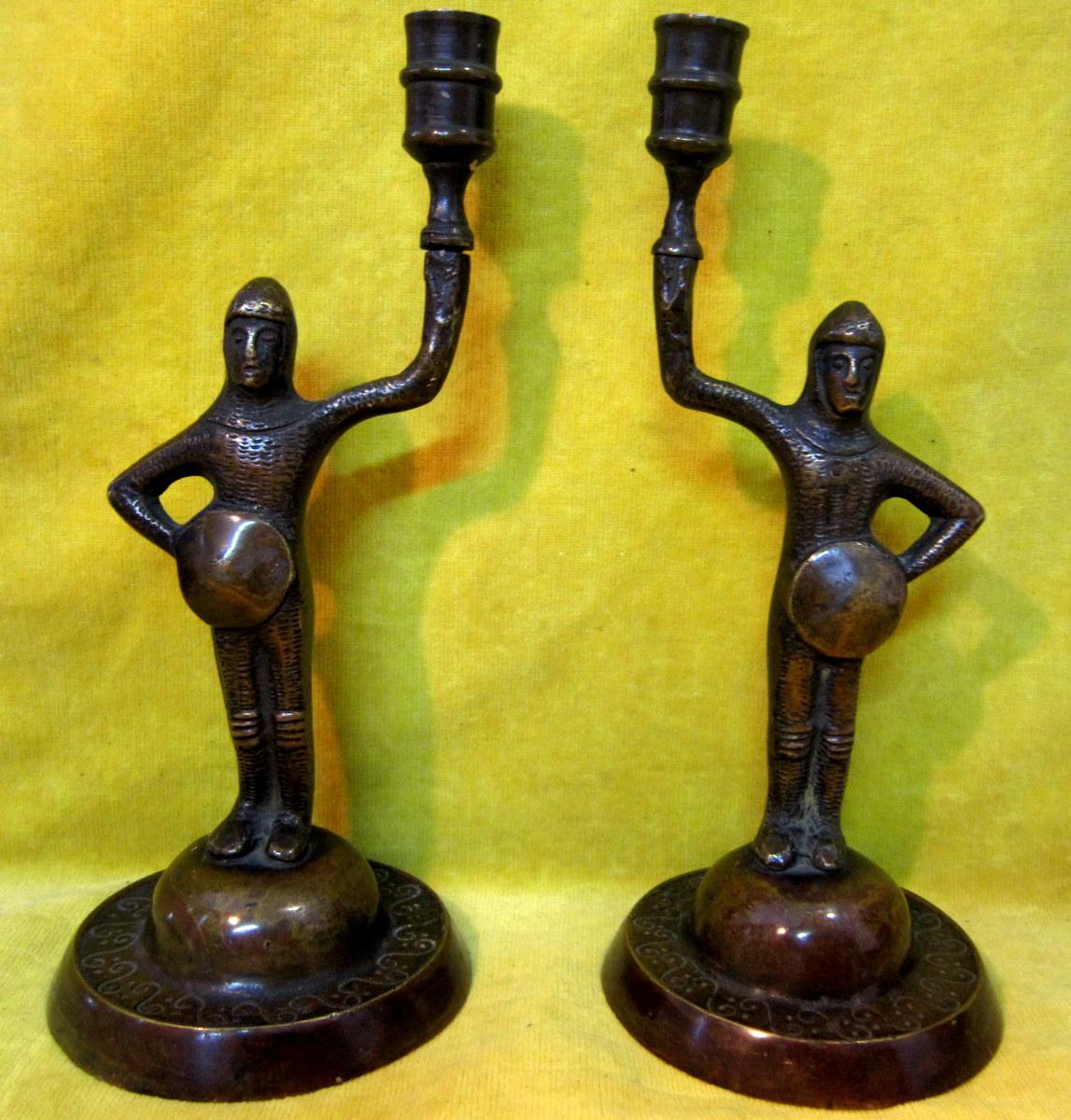 Paire Bougeoirs Bronze écuyer Chevalier Néogothique Troubadour 19éme