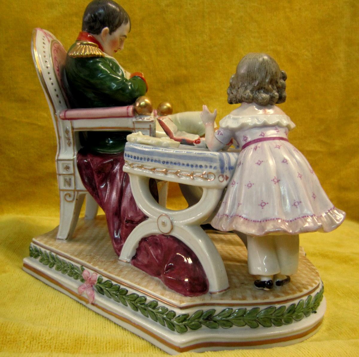 """Porcelaine Napoléon Empereur Et l'Aiglon """"chut Papa Dort"""""""