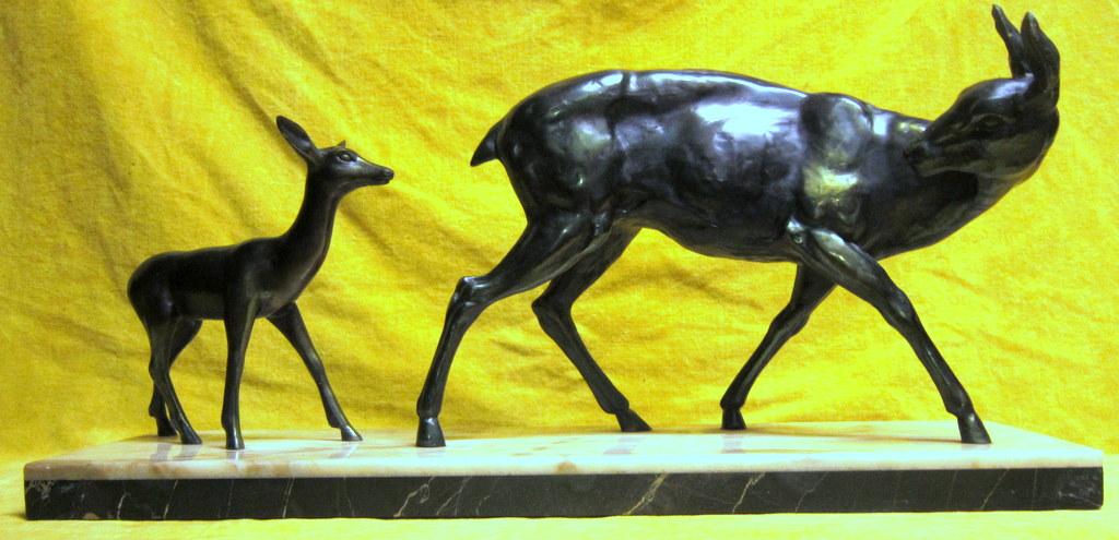 Biche Surveillant Son Faon Style Iréne Rochard Art Déco 30