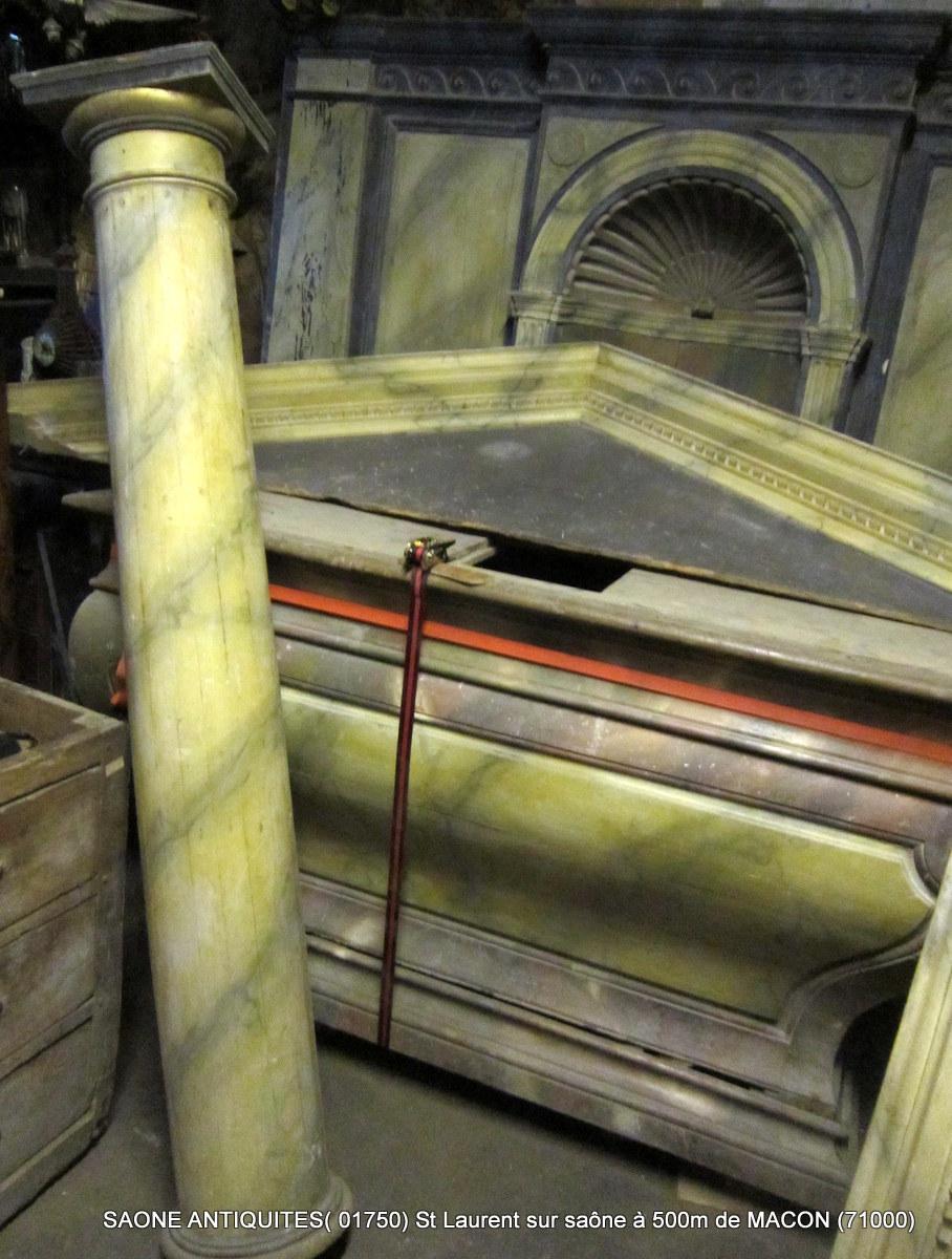 Autel d'église Peint Faux Marbre ( XVIIIè-XIXé ) , Entier
