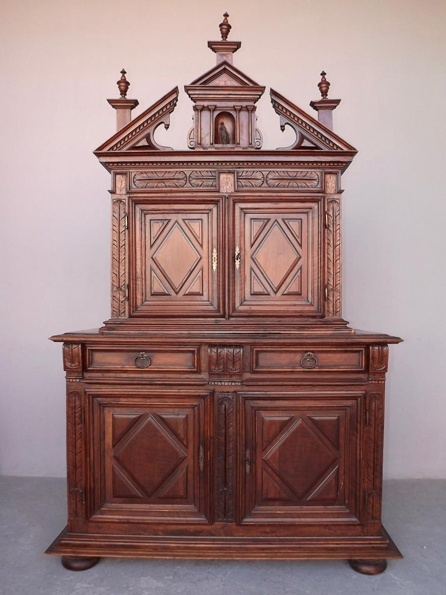 Two-body Sideboard With Shrink