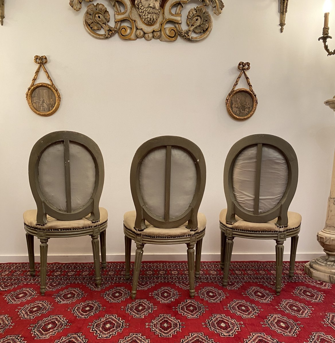 Suite De 3 Chaises Medaillons En Bois Laque d'Epoque Louis XVI-photo-3