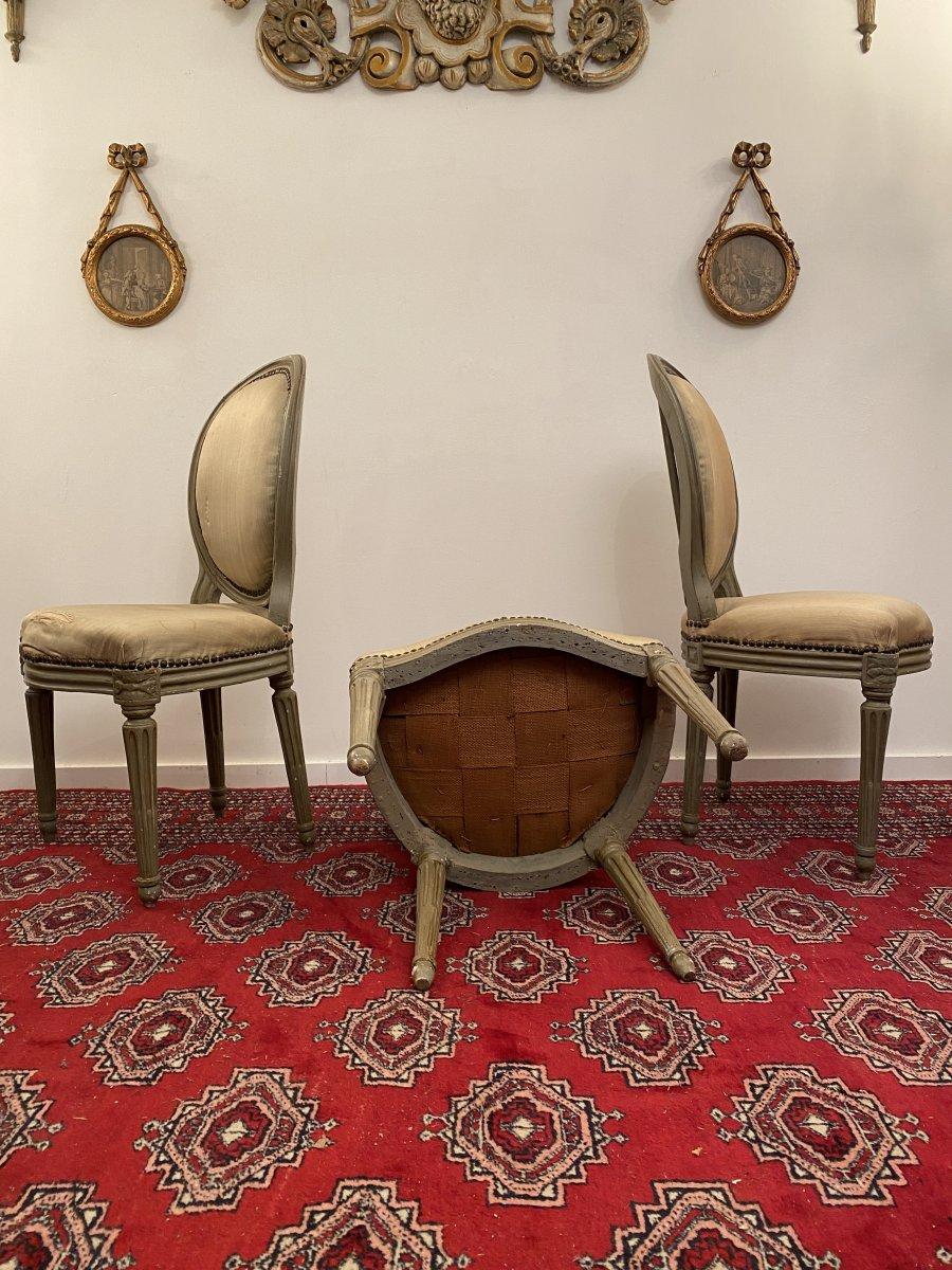 Suite De 3 Chaises Medaillons En Bois Laque d'Epoque Louis XVI-photo-1