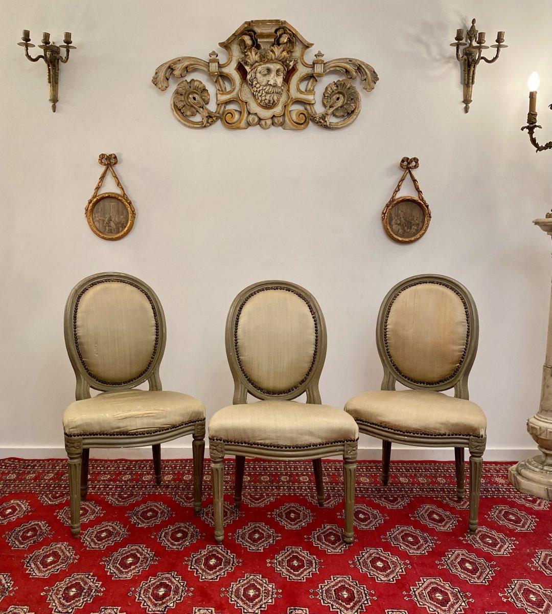 Suite De 3 Chaises Medaillons En Bois Laque d'Epoque Louis XVI-photo-7