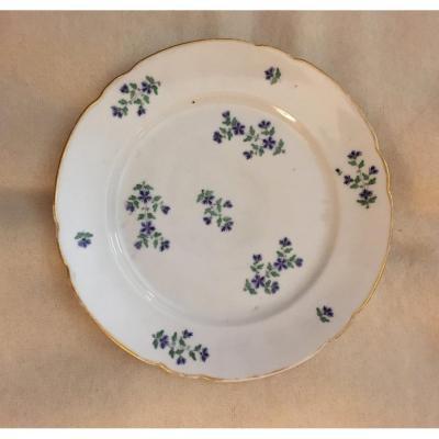 Porcelain Plate Model Au  Barbeau  Of Manufacture De La Reine XVIII Ime