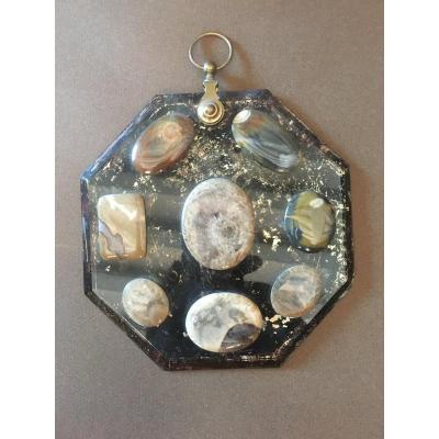 Display  Of  Agate Stones.