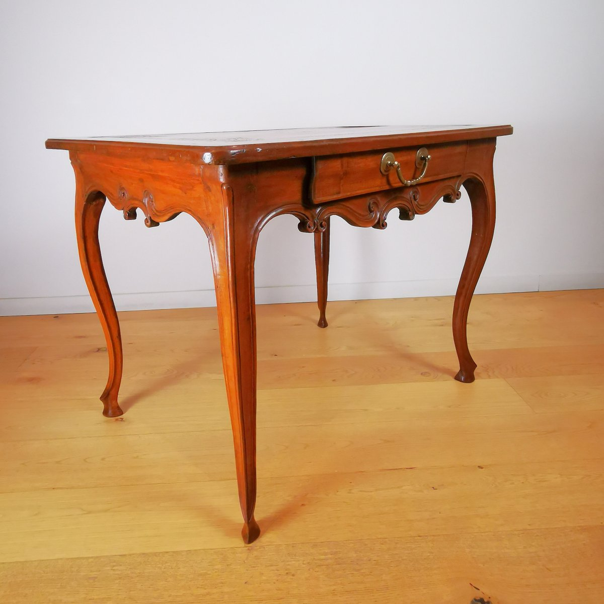 Table à écrire ou petit bureau Provençal, Milieu XVIIIe Vers 1750.
