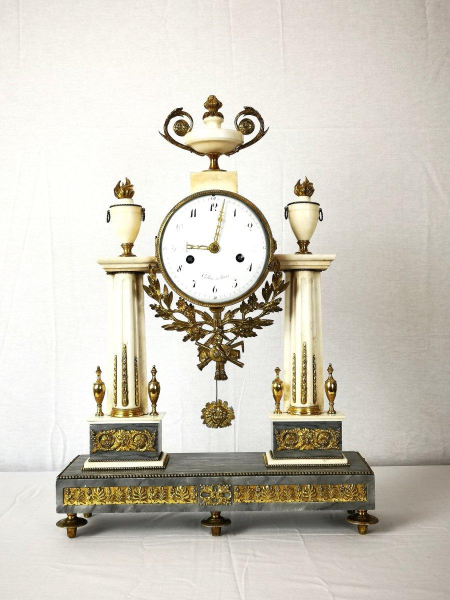 Pendule Portique D'époque Louis XVI Vers 1780