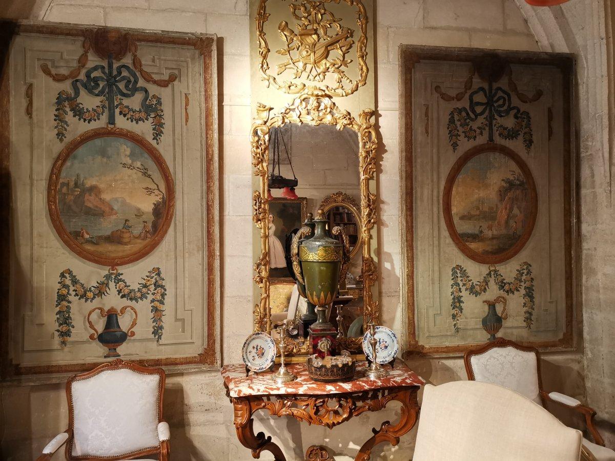 Paire de toiles peintes Néoclassiques de boiserie vers 1800