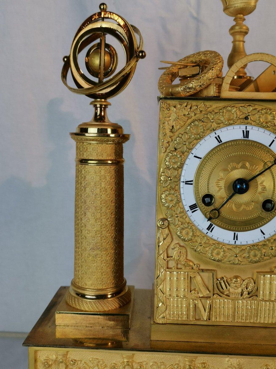 Pendule D'époque Empire Dite Aux Objets Scientifiques.-photo-2