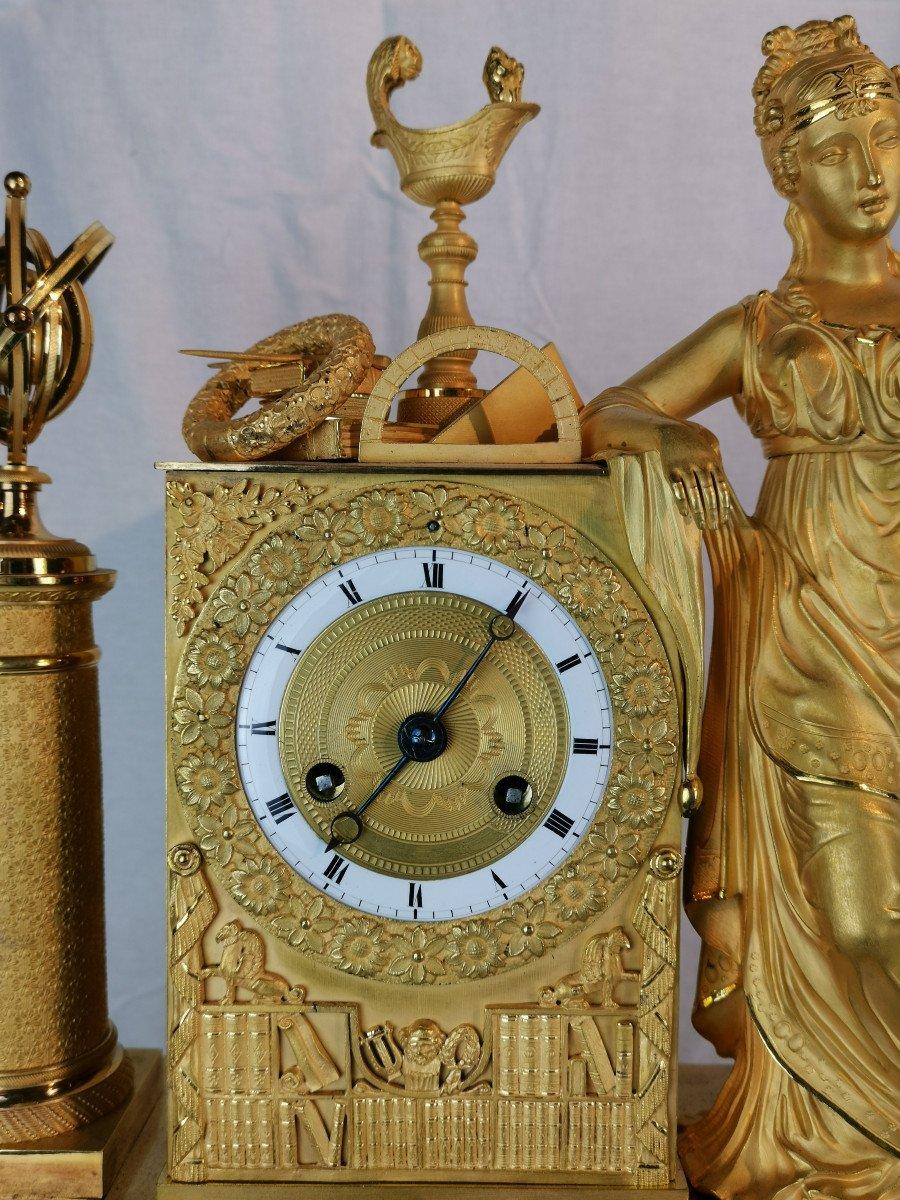 Pendule D'époque Empire Dite Aux Objets Scientifiques.-photo-3