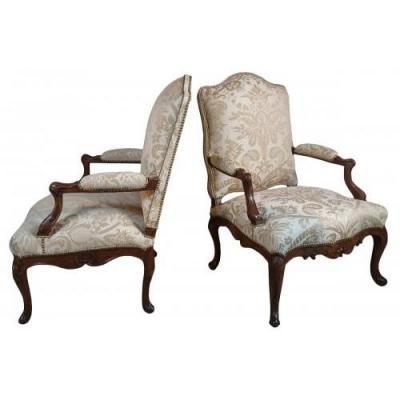Paire de larges fauteuils d'époque Régence, Vers 1720-1730