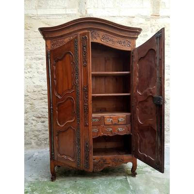 armoire ancienne sur proantic. Black Bedroom Furniture Sets. Home Design Ideas