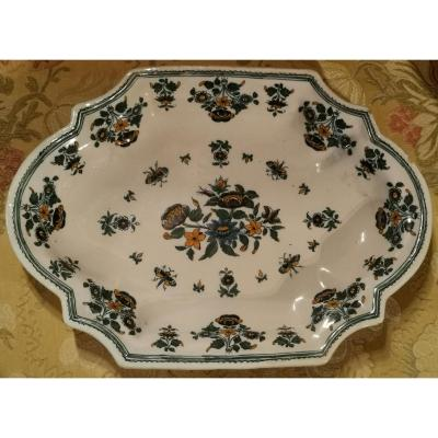 Polychrome Moustier Dish With Butterflies And Solanées.