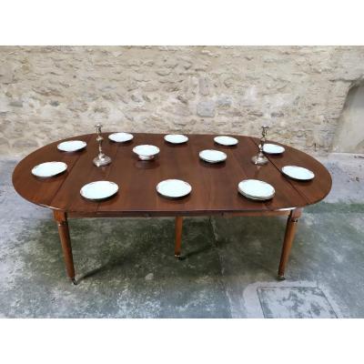 Table de salle à manger Louis XVI d'époque XVIIIe en noyer.