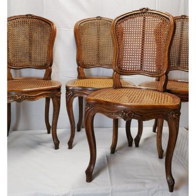 Suite De Quatre Chaises à Fonds De Canne d'époque Louis XV, Attribuées à Etienne Meunier.