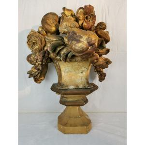 Groupe Baroque De Fleurs Et De Fruits, D'époque Louis XIV.
