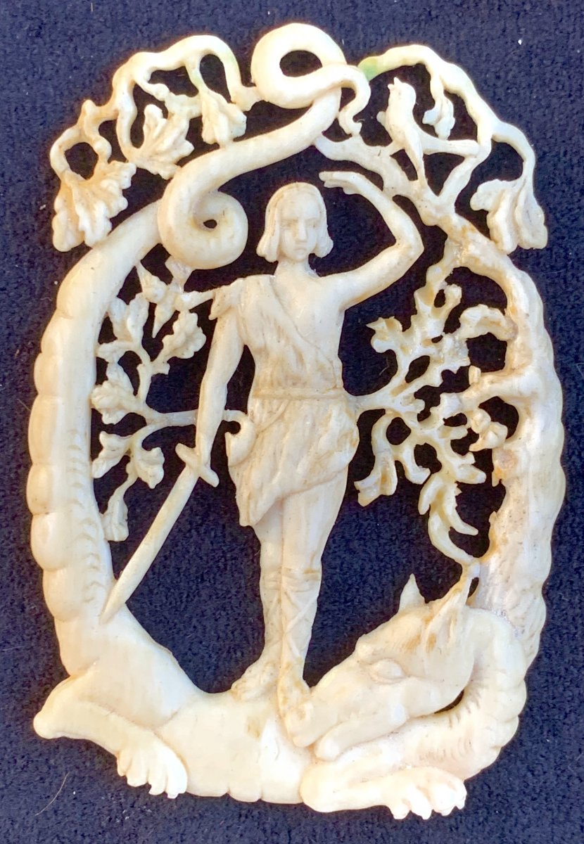 Carved & Openwork Ivory Pendant, Early XVIIth Cty Depicting German Mythological Hero Siegfried