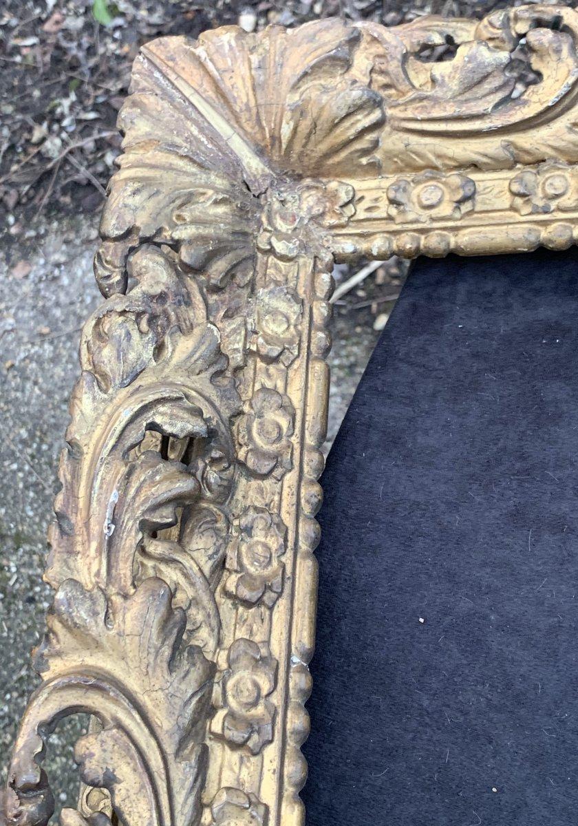 Cadre époque Louis XIII en bois doré sculpté et ajouré-photo-4