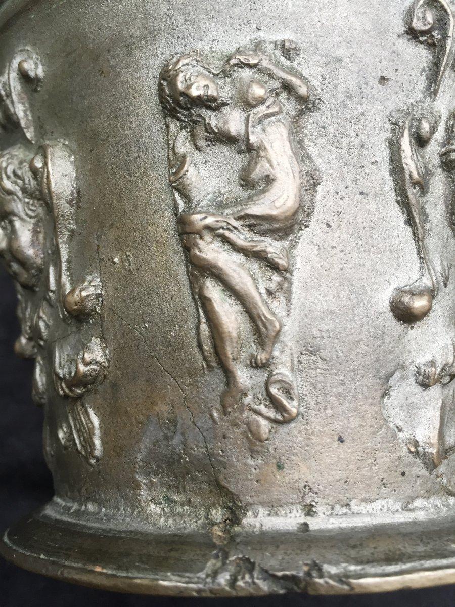 Mortier airain TB médailles bustes papes sujets allégoriques  déb XVIIe -photo-5