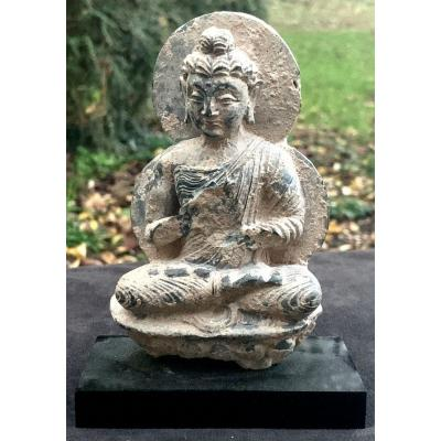 Stone Carved Gandharan Statue, Bouddha Prying On Lotus Flower Stand Circa 1st To 4th Cty