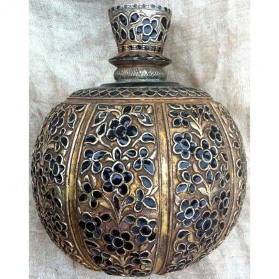 Inde, Base huka ronde vermeil & émail décor floral