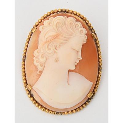 Brooch With Shell Cameo
