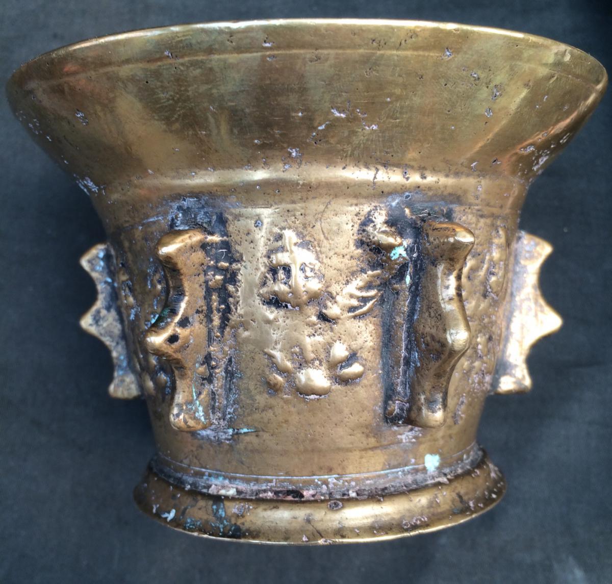 Mortier d'Apothicaire Et Son Pilon-angelots Appliqués-bronze-17e-haute Époque--photo-1