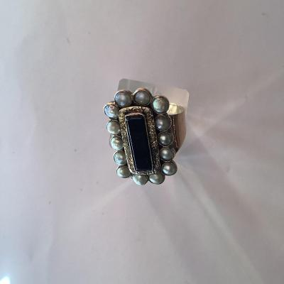 Gold And Half Baroque Pearls Ring