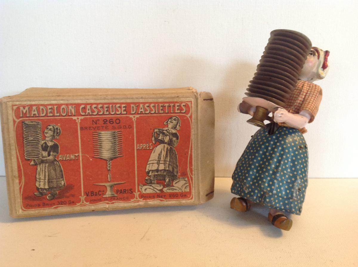 La Madelon Ou Bécassine Casseuse d'Assiettes . Victor Bonnet