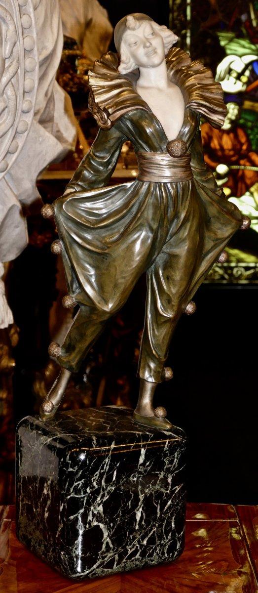 """Grande Sculpture Bronze Et Marbre Blanc signée André Gilbert époque 1925 """"Colombine On Parade"""""""
