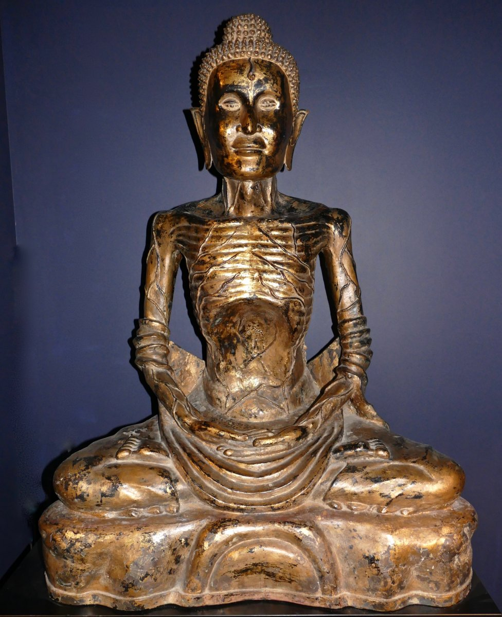 Very Large Sculpture Representative Buddha Ascetic Bronze Lacquered Black And Golden Thailand XIX
