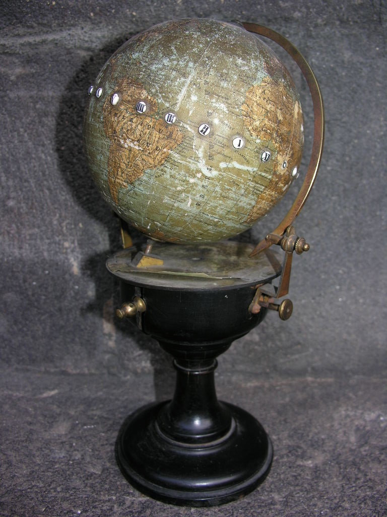 Rare Globe A Systeme Cosmographe De Ch.henard & Cie