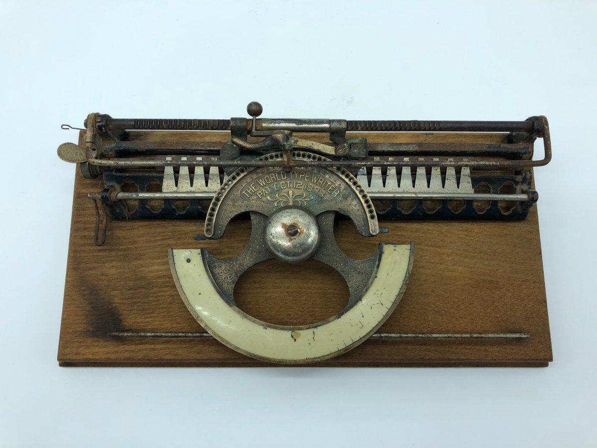 Rare Machine à écrire Type Writer 1886