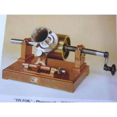 Phonographe à Feuille d'étain