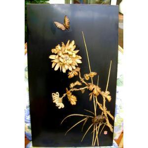 Panneau en laque aux Chrysanthèmes. Ivoire.  Japon début époque Meiji (1603-1868 )