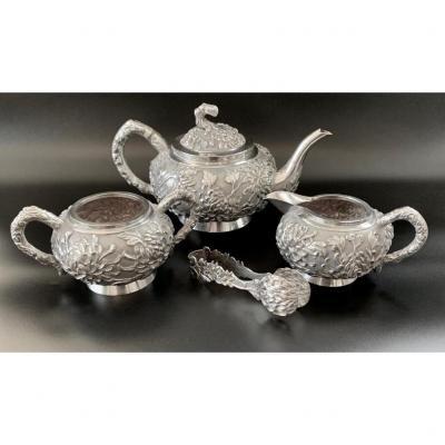 Very fine Chinese Silver Export 3-piece Tea set, circa 19th century by Luen Wo