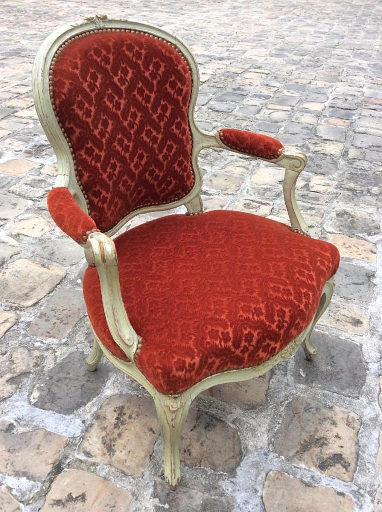 Suite de quatre fauteuils d'époque Louis XV