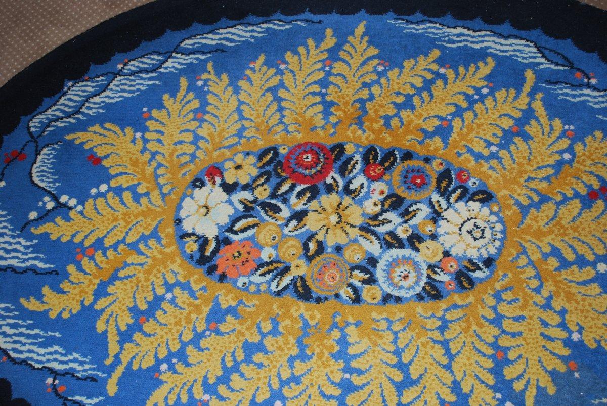 Tapis Art Déco Motifs à décor central de fleurs et fougères sur le pourtour  Sur Fond Bleu-photo-2