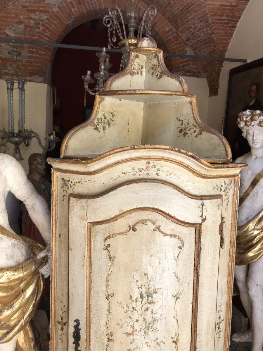 Armoire d'Angle Laquée Vénitienne XVIIIsec.