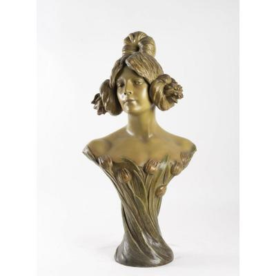Goldscheider Bust Woman With Tulips
