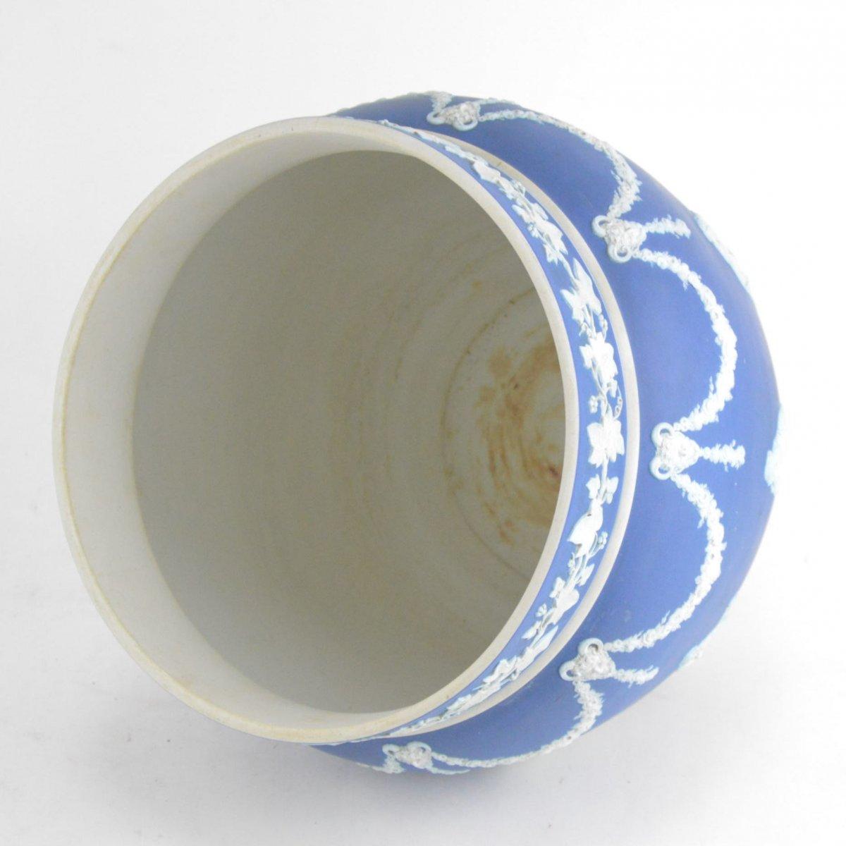 Cache-pot En Porcelaine Biscuit Wedgwood -photo-4