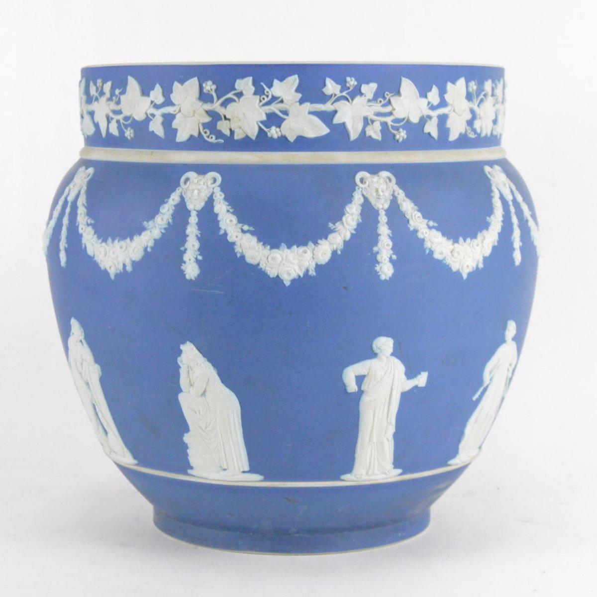 Cache-pot En Porcelaine Biscuit Wedgwood