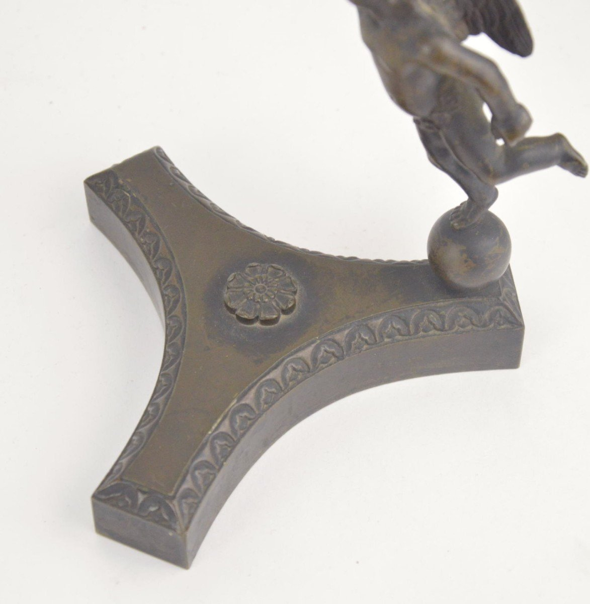 Bronze Watch Holder With Brown Patina In The Shape Of A Putto Holding Stick With A Goose 19th C-photo-4