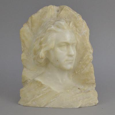 Sculpture Bas-relief Portrait d'Un Homme En Marbre Blanc.
