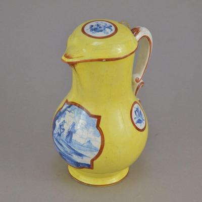 Pot a lait en faience de Samson décor représentant paysage animé 19ème