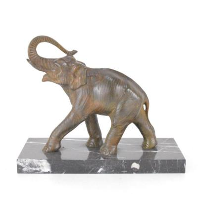 Sculpture d'Elephant En Bronze Patiné Sur Socle En Marbre