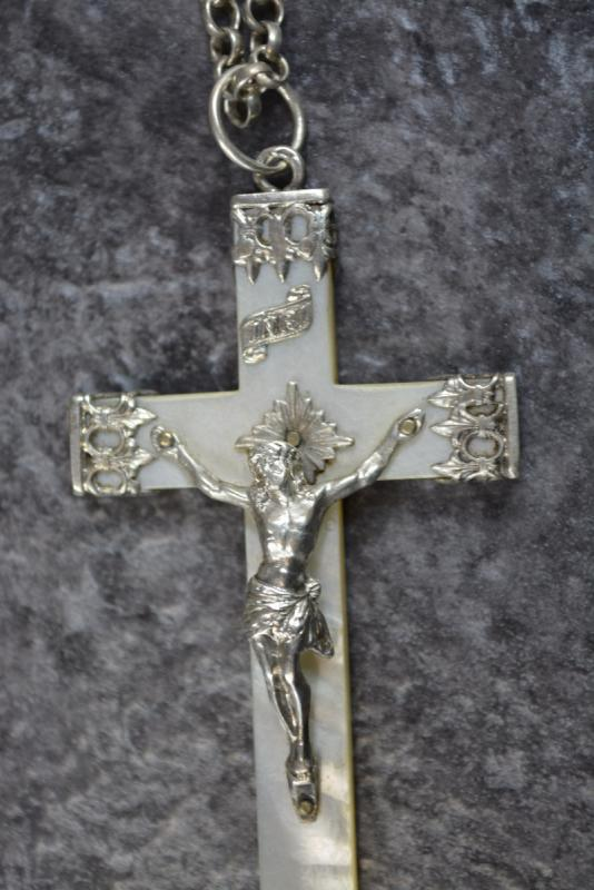 Grande Croix Religieuse En Nacre Et Argent Massif-photo-3